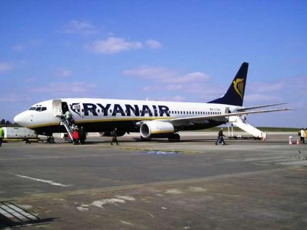Ryanair, ustionato dall'hostess con tè bollente: 33enne risarcito con 40mila euro
