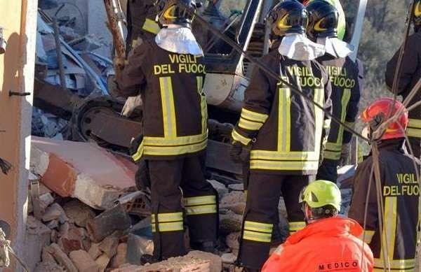 Savona: esplosione in una palazzina per una fuga di gas, cinque morti ed un ferito