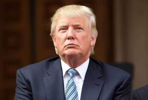 """Presidenziali Usa 2016, Donald Trump: """"I rifugiati? Cavallo di Troia dei terroristi"""""""