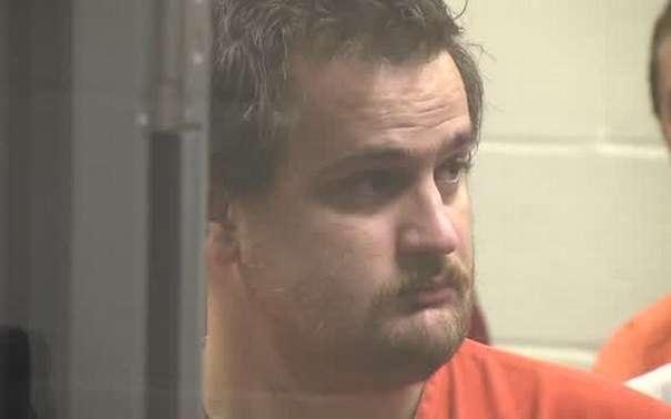 Usa: bimbo di sei anni ucciso dai 120 chili del padre che voleva punirlo