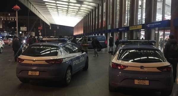 Roma: paura alla stazione Termini per uomo armato, ma era solo un giocattolo per il figlio