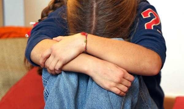 Ancona: abusava della figlia dodicenne, denunciato dopo 5 anni