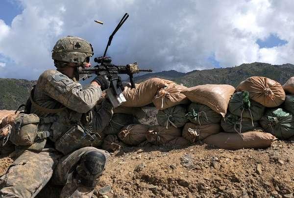 Afghanistan, terrorismo: talebano infiltrato nella polizia droga e uccide 10 colleghi