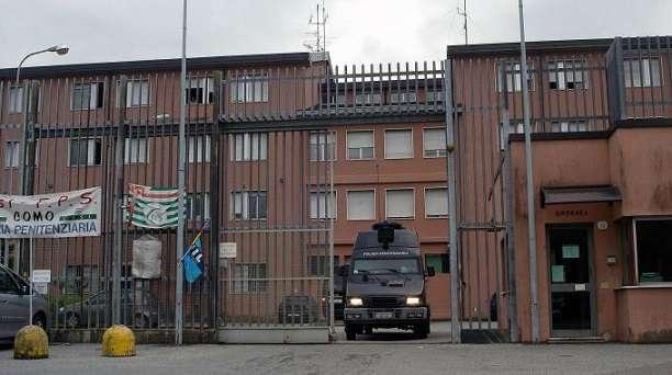 Milano: 15enne rom finge un malore ed evade dal carcere minorile di Beccaria, ricercato