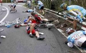 Litiga con ciclisti, fa inversione di marcia e li mette sotto: condannato per omicidio volontario