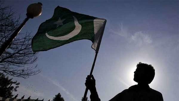 Pakistan, 15enne accusato di blasfemia si amputa da solo la mano. Orgogliosi i genitori
