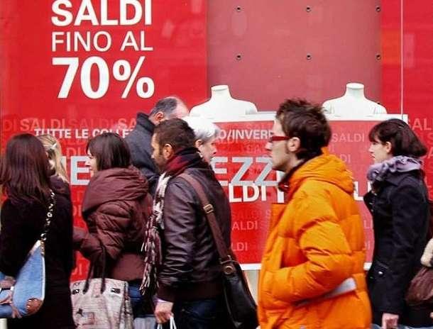 Saldi, Codacons: occhio alla truffa, consigli per uno shopping sicuro