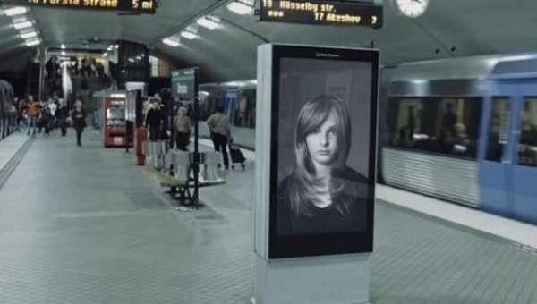 Stoccolma, mamma-coraggio sventa uno scippo in metro: presa a schiaffi dal ladro