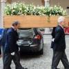 Funerale Umberto Eco, a rendergli omaggio amici e parenti. Presente anche Benigni