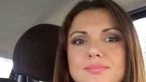 Napoli: dà fuoco alla compagna incinta e fugge. Salva la bimba, lei è gravissima
