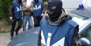 """Camorra a Napoli, sgominato il clan Ferrara: preso il boss """"dei cento telefonini"""""""