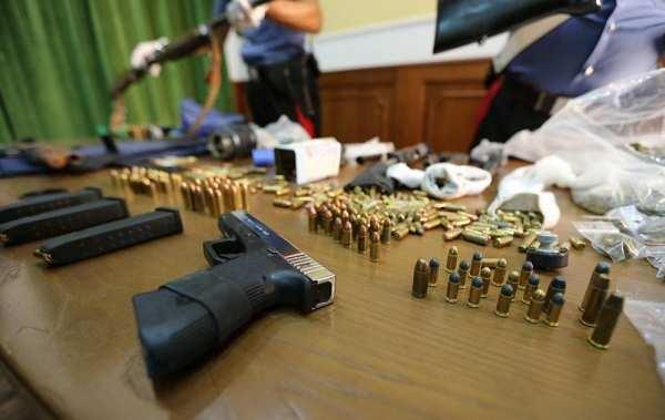 """Timore a Napoli, giovani boss alle prese con le armi: """"Sono pronti a uccidere per nulla"""""""