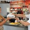 """""""Family Bag"""" contro lo spreco alimentare: portare via gli avanzi dal ristorante"""