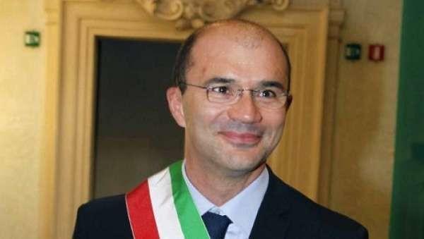 """'Ndrangheta, lettera al sindaco di Reggio Emilia: """"Sai chi ti ha sostenuto in campagna elettorale?"""""""