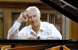 """Musica: addio a George Martin, il """"quinto Beatle"""", fu produttore musicale dei Fab Four"""