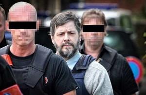 Belgio, piano shock di un killer pedofilo: imprigionare bambini in una città sotterranea