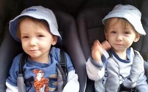 Scozia, gemellini di due anni annegano nello stagno. Genitori convinti giocassero in casa