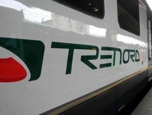 Milano, aggressione su un treno: le spacca la testa per rapinarla, arrestato 32enne romeno