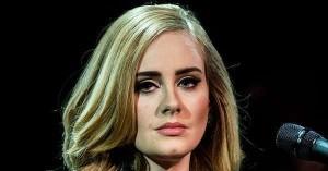 Attentati a Bruxelles, Adele in concerto dedica alle vittime e insulti ai terroristi