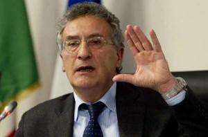 "Roberti agli studenti: ""Le mafie radicate in Emilia Romagna, ma l'omertà sta crollando"""