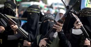 Isis, dati shock: incinte 31mila donne che vivono nel Califfato, i figli diventeranno terroristi