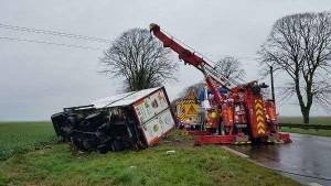 Francia, scontro tra minibus e camion: morti 12 turisti tra cui un bambino