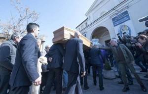 Omicidio Varani: ieri si sono svolti i funerali di Luca nel quartiere Casalotti di Roma
