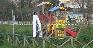 Roma shock, ritrovato uomo impiccato nell'area giochi del Parco del Pineto