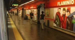 Roma: gironzola per la Metro A con un fucile ad aria compressa, fermato 24enne ucraino