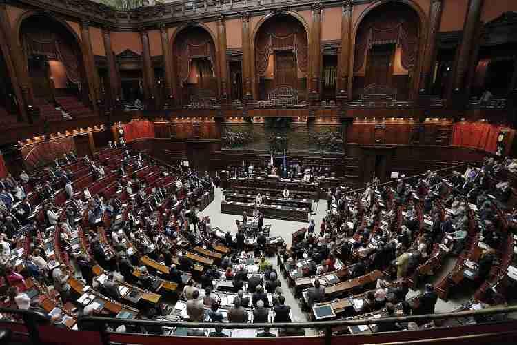 Camera approvato codice di condotta dei deputati sulla for Calendario camera deputati
