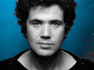 Lucio Battisti: il cantautore sarebbe sempre più difficile da scaricare, le proteste