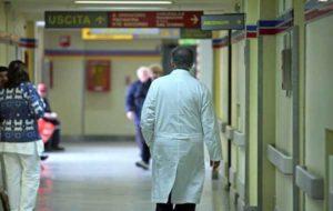 Malasanità a Lucca: operato per rimuovere tumore, chirurgo asporta rene sbagliato