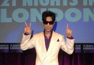 Prince, i misteri legati alla morte: lo strano ricovero per overdose e la chiamata al 911