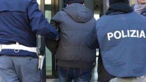 Roma, spara in un bar e uccide una donna: fermato il marito, ha confessato