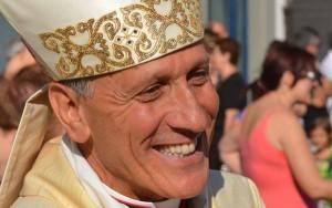 Frosinone, vescovo indagato per abusi su 8 seminaristi. Vaticano respinge le accuse