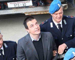Luca Varani, condanna definitiva a 20 anni: aveva sfregiato la ex con l'acido