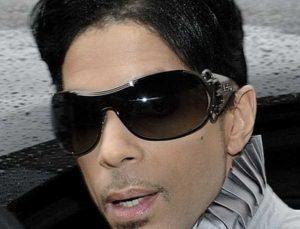 Prince, 700 persone vorrebbero la sua eredità: si ricorre al test del Dna