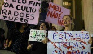 Brasile shock: in 33 stuprano una sedicenne, poi pubblicano il video sul web