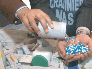 """Farmaci, allarme vendite: """"Il 10% è contraffatto, fenomeno in costante aumento"""""""