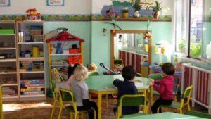 Bari, shock scuola materna: calci e pugni a bambini di 3 anni, arrestate maestre