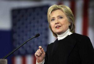 Usa, Hillary Clinton è la candidata democratica alla Casa Bianca. Ma Sanders non molla