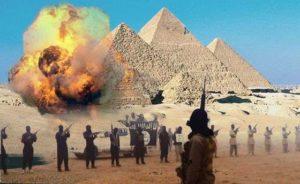 """Terrorismo Isis, video-minaccia all'Egitto: """"Distruggeremo le piramidi di Giza"""""""