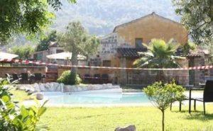 Benevento, bimba di 9 anni trovata morta e nuda in una piscina: è giallo