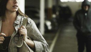 """Stalking, la testimonianza di Valentina: """"Perseguitata dal mio ex, carabinieri ridevano di me"""""""