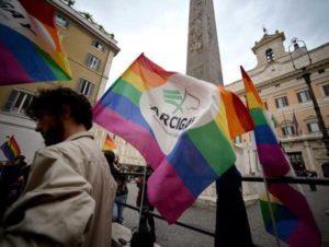Trento, insegnante licenziata perché gay: scuola condannata per discriminazione