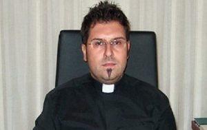 Brindisi, pedofilia: sacerdote arrestato per aver abusato di un chierichetto di 8 anni