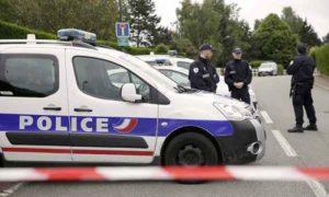 """Attacco terroristico a Parigi, uccisa coppia di poliziotti: """"Euro 2016 sarà un cimitero"""""""