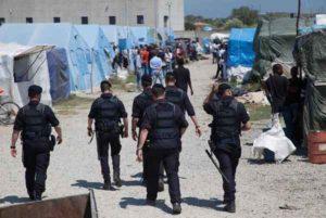Migrante accoltella carabiniere nella tendopoli a Rosarno: il militare spara e lo uccide