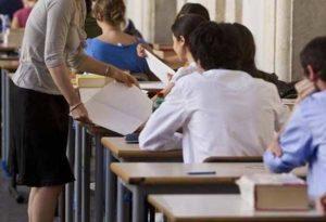 Grosseto, professoressa ha una relazione con allieva 15enne: denunciata e sospesa