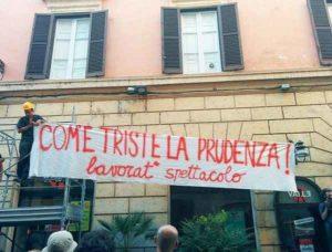Roma, rioccupato il Teatro Valle: sgomberato dopo un'ora dalle forze dell'ordine